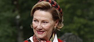Dronning Sonjas imponerende bunadssamling: Denne betyr noe helt spesielt