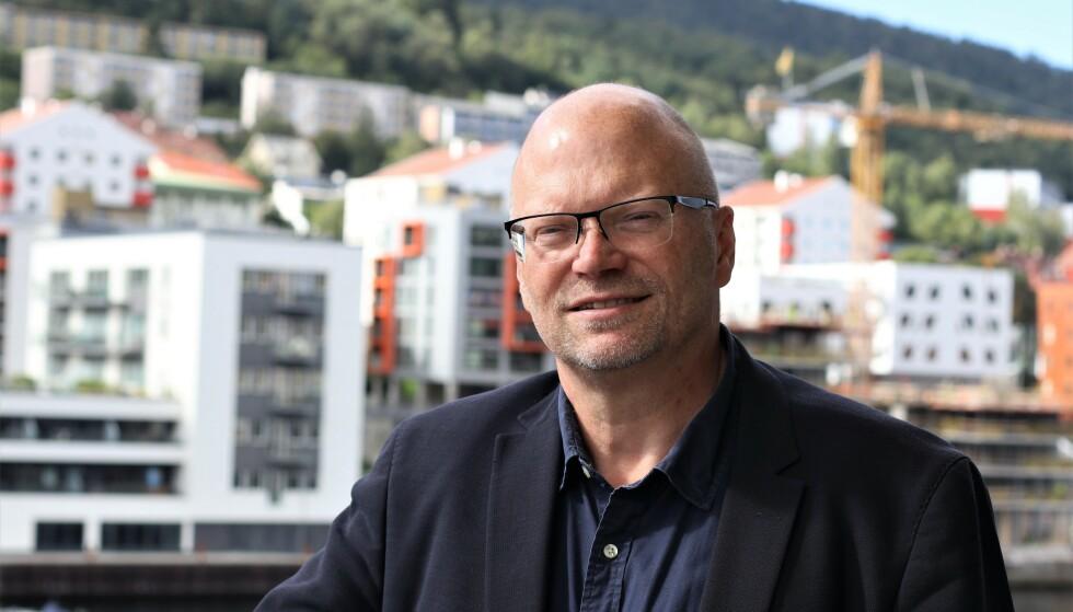 MÅLET ER LOJALE KUNDER: Robert Ingvaldsen, høyskolelektor ved institutt for markedsføring på BI, sier at målet med medlemsklubbene er å få lojale kunder. Foto: Beate Nilsen