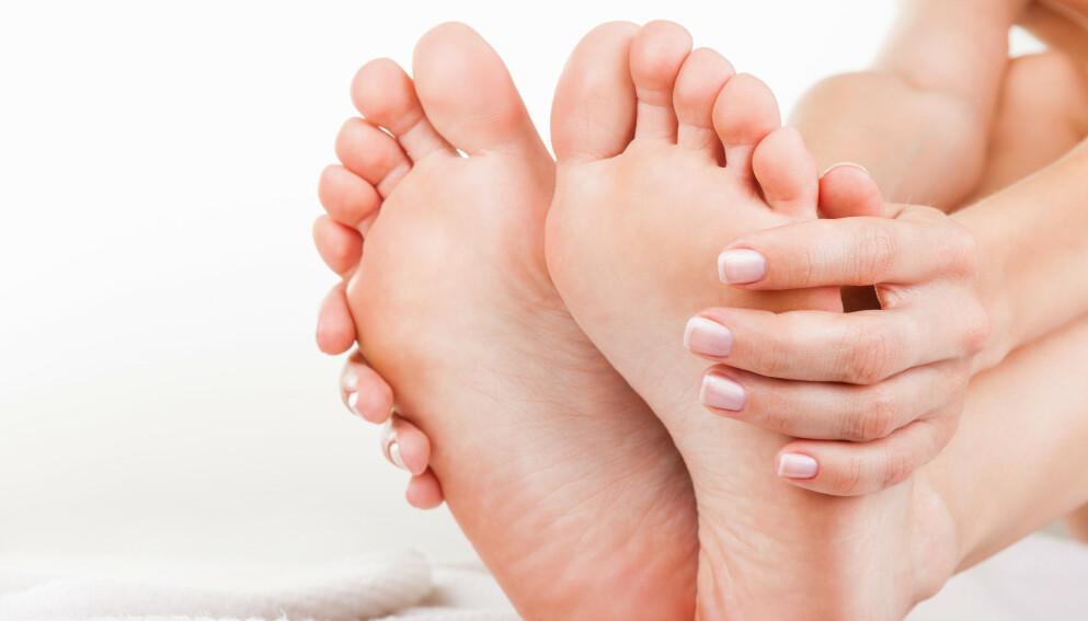 Altfor mange av oss tar ikke fothelse på alvor, mener fotterapeuten. Illustrasjonsfoto: Shutterstock/NTB