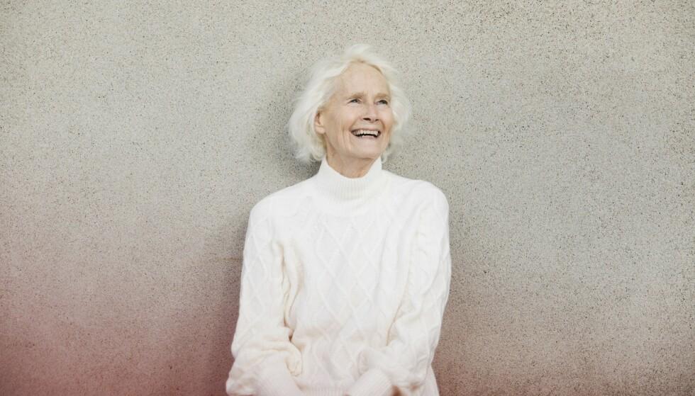 FYSIOTERAPEUT: Lisbeth har selv jobbet som fysioterapeut i 46 år, men da hun selv begynte å få vondt i kroppen, trodde hun det kun var på grunn av alderen. Foto: Ellen Jarli