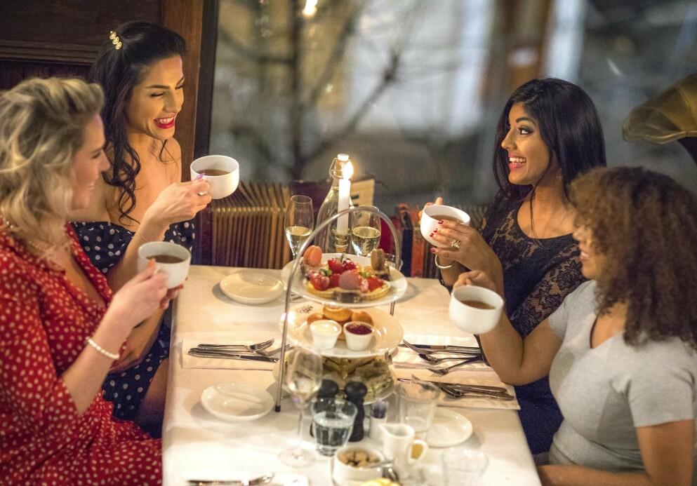 HYGGELIG LAG: Interessen rundt den britiske tradisjonen «Afternoon Tea» har tatt av i Norge. Foto: Café Rasmus
