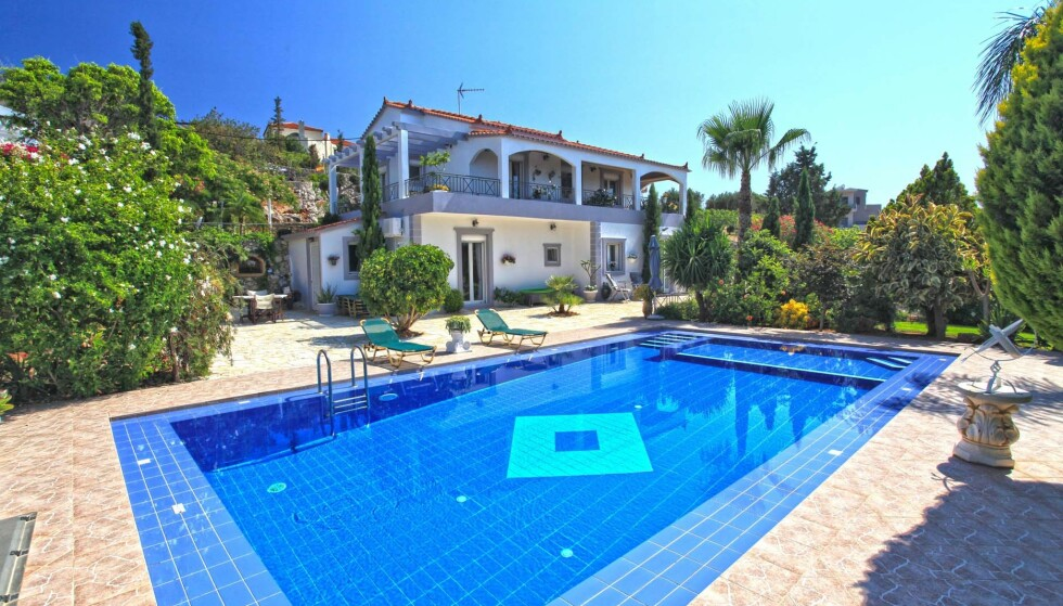 FERIELUKSUS: Dette er et av mange hus til salgs på Kreta. Foto: Dreamcatchers