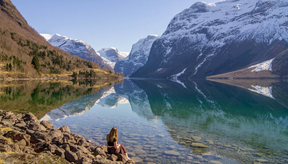 Instagrambygda: Loen og Lovatnet ble for alvor kjent i fjor sommer, mye takket være det instagramvennlige landskapet. Foto: Sølve Opsal Marøy