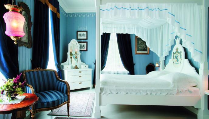 Ikke for mørkredde: I «Det blå rommet» kan du bo sammen med spøkelset «Linda» om du tør. Foto: Hotel Union Øye/NTB