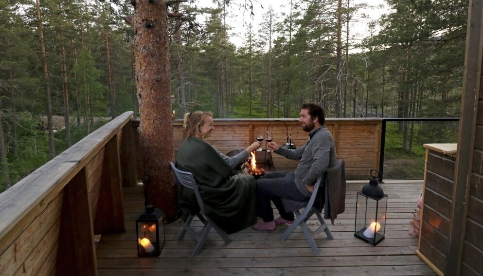 TRETOPPTUR MED KJÆRESTEN: Det fins mange flotte og romantiske overnattingsmuligheter landet rundt. Foto: Runar Larsen