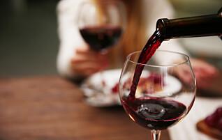 Så mye dårligere tåler kroppen alkohol når du blir eldre
