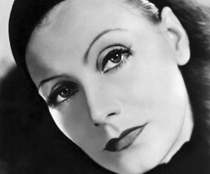 GRETA GARBO: Den mystiske, alvorlige kvinnen med perfekt hud og store mørke øyne var det som gjaldt på 30-tallet. Foto: NTB