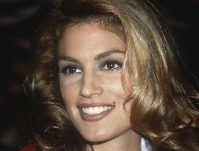 CINDY CRAWFORD: Supermodellene på 90-tallet var nærmest uoppnåelige og alle hadde lyst til å se ut som dem. Foto: NTB