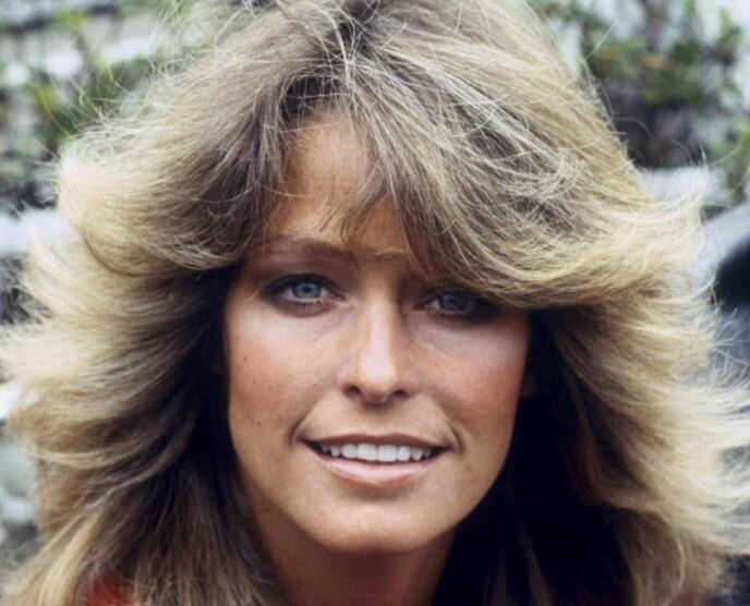 FARRAH FAWCETT: Hun var et idrettstalent og gjennom tv-serien «Charlies Angels», ble hennes sunne og friske utseende med solbrun hud, rufsete hår og store smil det nye idealet. Foto: NTB