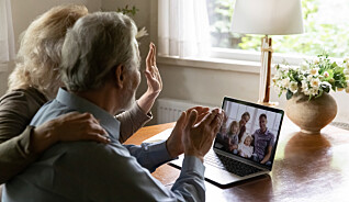 Eldre mer ensomme av digital kontakt
