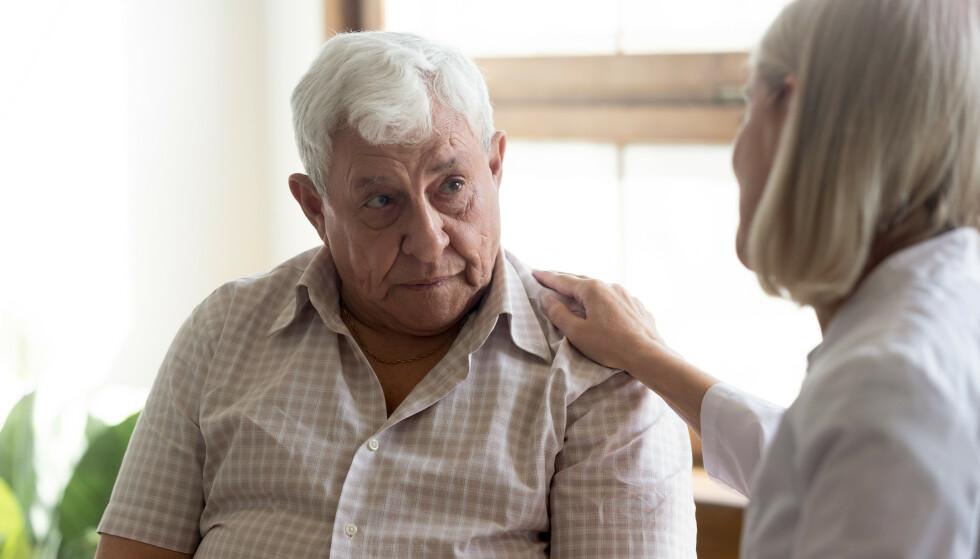 TIDLIGE TEGN: De fleste demenssykdommer kommer snikende over flere år, og mange avfeier symptomene i begynnelsen. Illustrasjonsfoto: NTB/Shutterstock