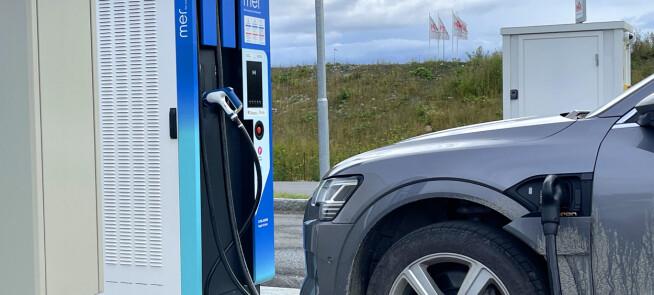 Dyr strøm i sommer: Påvirker elbilene strømprisene?