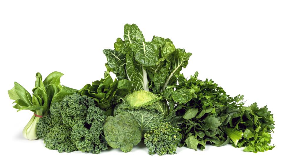 VITAMIN K: Enktelte blodfortynnende medisiner krever et jevnt inntak av vitamin K. Hvis ikke kan det svekke effekten av legemiddelet. Grønne grønnsaker inneholder mye vitamin K. Foto: NTB