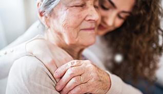 Vil betale pårørende for å ta seg av de eldre