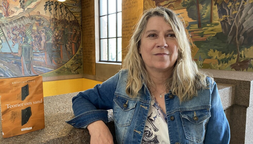 PRODUKTIV: «Teorier om sand» er Kristin Hauges tredje bok, og handlingen finner sted i både Norge og Sudan. - Jeg kunne ikke skrevet denne boka for 20 år siden, sier hun.
