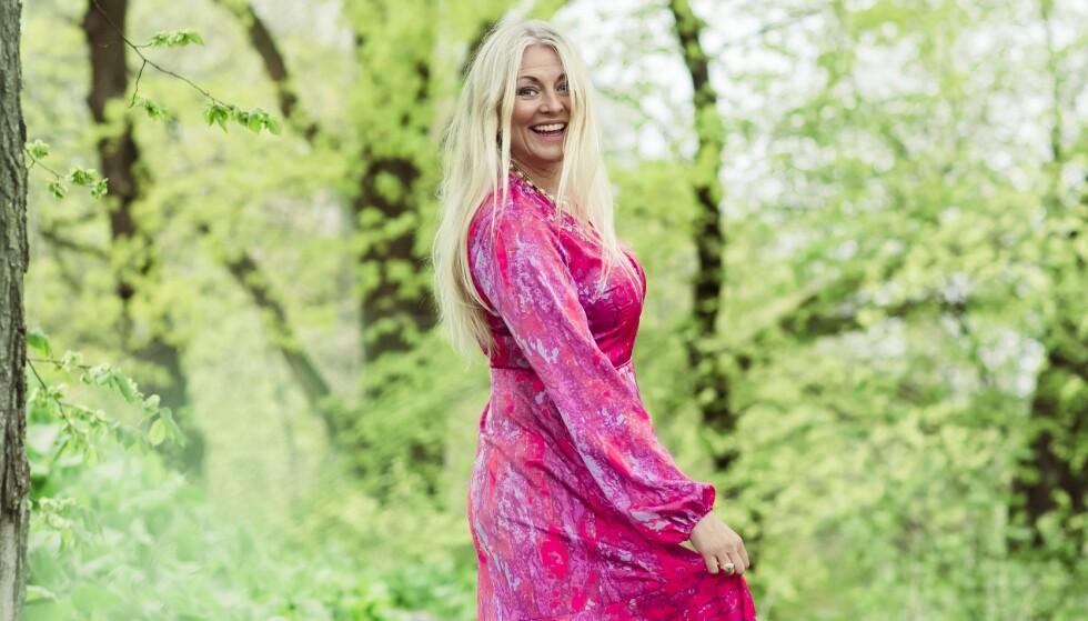 FARGESTERK: Eli Kari Gjengedal har bare fått positiv respons på at hun er åpen om overgangsalderen og endringene det medfører. Foto: Astrid Waller / Kk