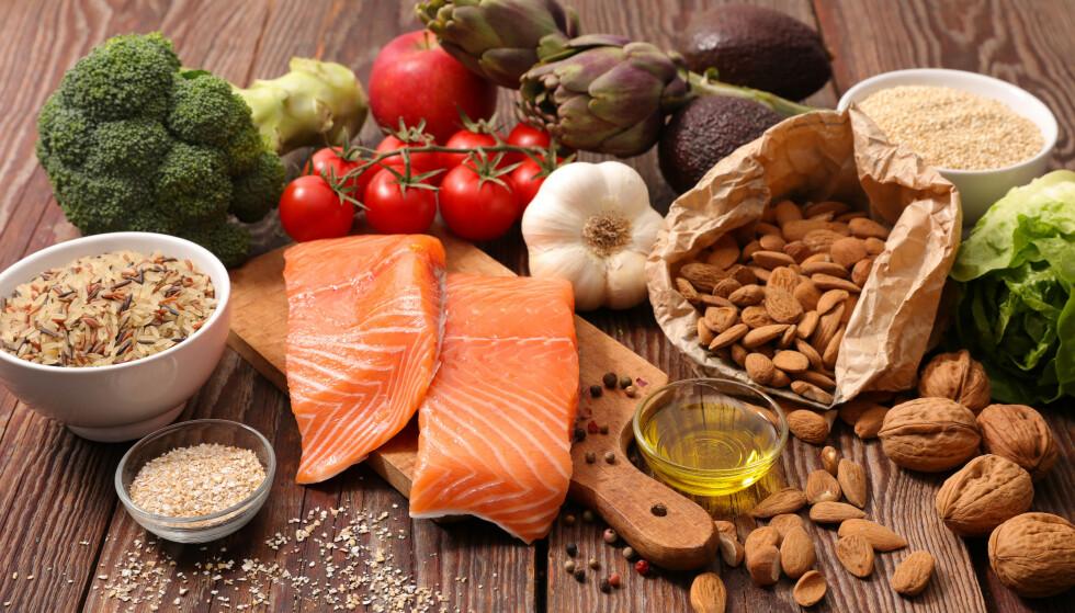 JA-MAT: Kostholdet ditt har mye å si for helsa di, også i overgangsalderen. Spiser du riktig, kan det bidra til at plagene dempes. Foto: NTB