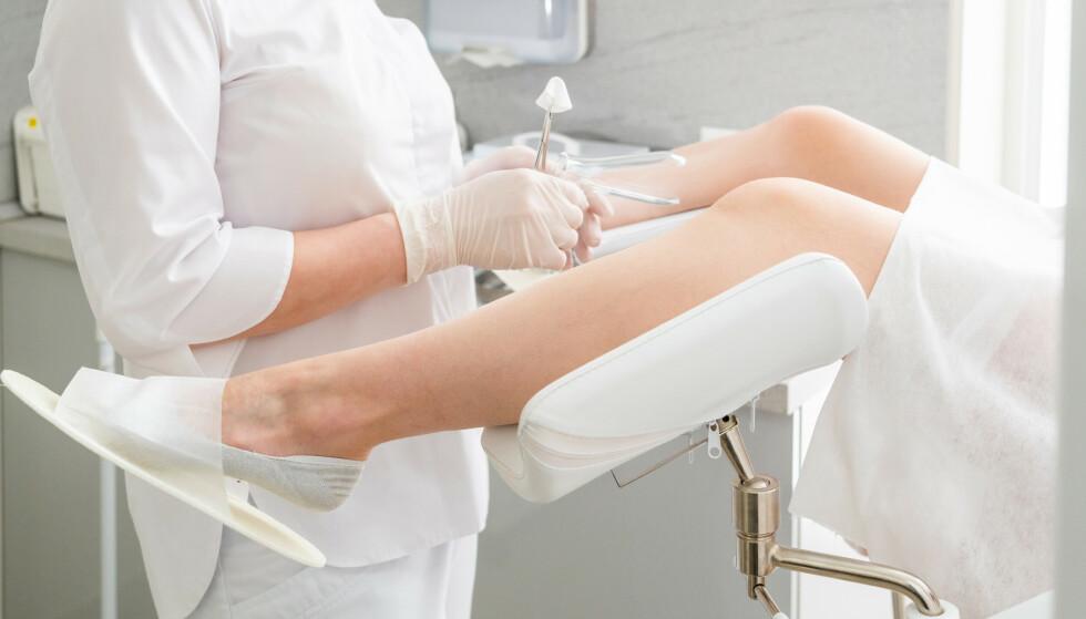 HVOR OFTE SKAL MAN TA LIVMORHALSPRØVE: Bruken av en HPV-test i forbindelse med celleprøven vil nå være med å avgjøre hvor ofte du må ta livmorhalsprøve. Foto: NTB
