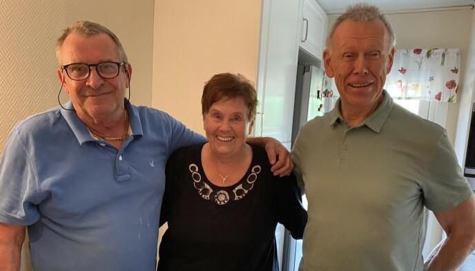VINN-VINN: Espen Warp, Berit Klarholm og Bjørn Laupsa-Borge har blitt gode venner under oppussingsarbeidet av kjøkkenet til Berit.