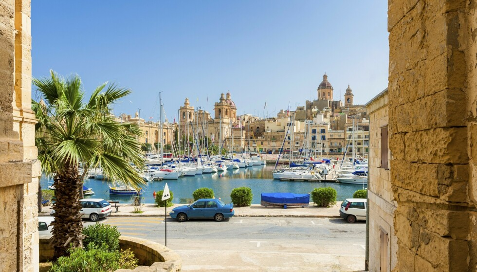 HERLIG HAVN: Ingenting å si på sjarmen langs havnen på Malta. Foto: NTB