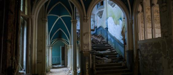 Image: Her er slott og herskapshus forlatt og overlatt til naturen