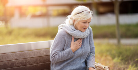 Image: Kvinner er ti år eldre enn menn når de får disse sykdommene