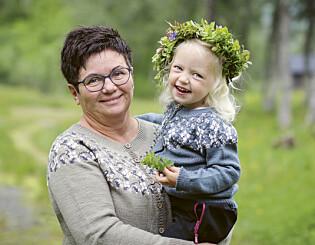 Image: Strikk sommerkofte til bestemor og mini