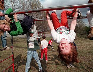 Image: «Var det rett og slett lettere å oppdra barn før i tida?»