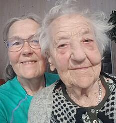 Image: Da Åsbjørg ble pensjonist, hentet hun mor (105) hjem fra sykehjemmet