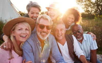 Image: 50- og 60-åringer føler seg bedre enn 20-åringene gjør