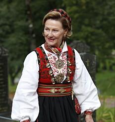 Image: Se dronning Sonjas imponerende bunadssamling: Denne betyr noe helt spesielt